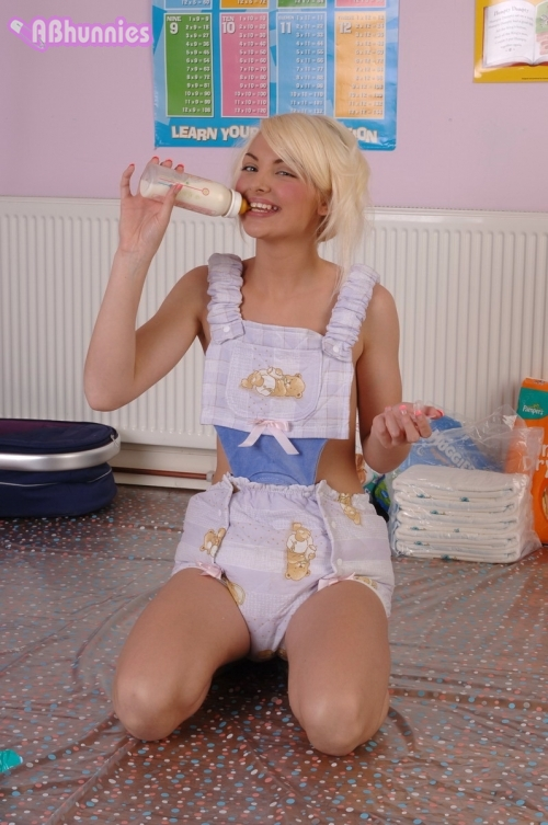 candice-en-barboteuse jpgGirls In Adult Diapers